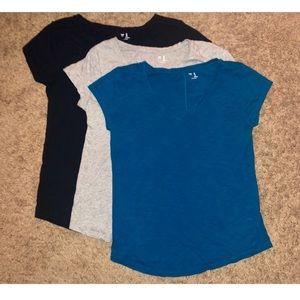 Bundle Of 3 GAP Knit V-Knock Tops Sz S